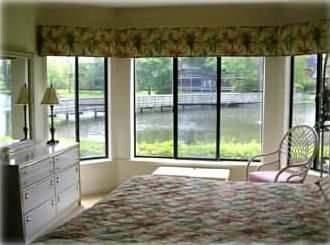 Master Bedroom Kingston beautiful! - 5 min walk to beach - private - homeaway myrtle beach