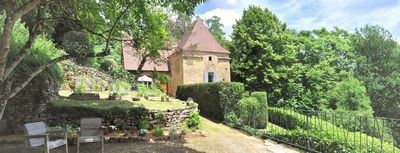 Photo for Character cottage in Sarlat: 18th century property, 1.7km from the medieval city