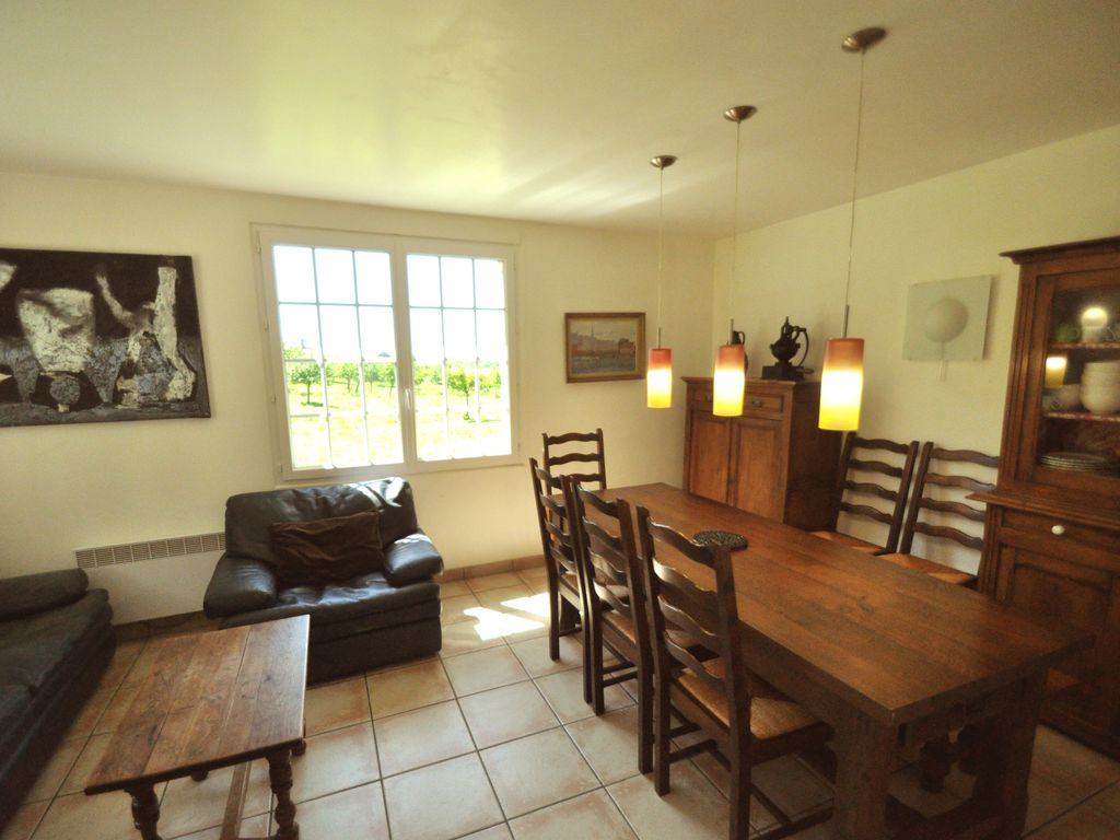 Nice cottage with swimming pool inside house near for Pictures of nice houses inside