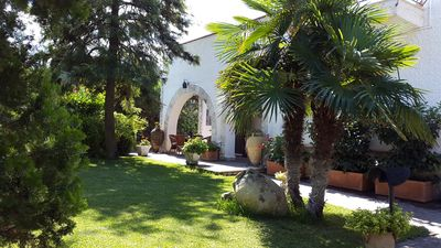 Photo for Quiet villa with swimming pool close to the white beaches just outside Palermo.