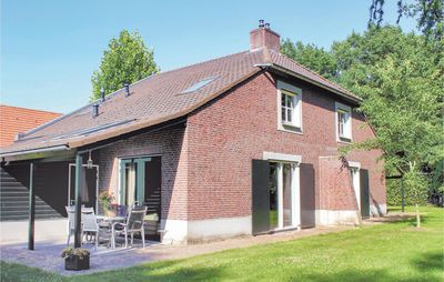 Photo for 6 bedroom accommodation in Overloon