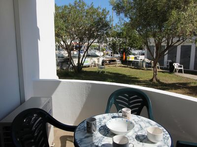 Photo for Located in a quiet area, well equipped, with communal garden and parking, ground floor. PO