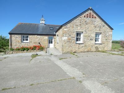 Photo for CLOCK COTTAGE, pet friendly, with open fire in Reawla, Ref 998198