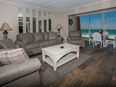 Gulf-Front east corner unit | Outdoor pool, BBQ grills, Wifi, Enclosed balcony | Free golf/fishing