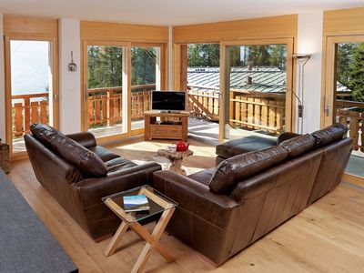 Photo for 4-Room apartment (3 bedrooms), luxurious 5* for maximum 8 persons, ski-in/ski-out directly on the sk