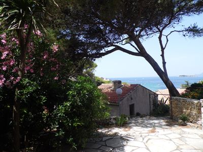 Photo for 1BR Apartment Vacation Rental in Sanary-sur-Mer, Provence-Alpes-Côte d'Azur