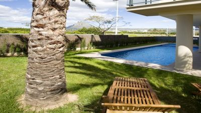 Photo for Apartment Daniela, Modern 2 bedroom first floor apartment in the beach area