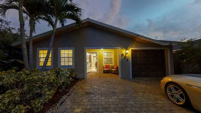 Photo for Beautiful Beach Home with Pool near Restaurants and Clubs