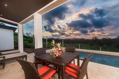 Casa Oasis, new ocean view home on 1/2 acre
