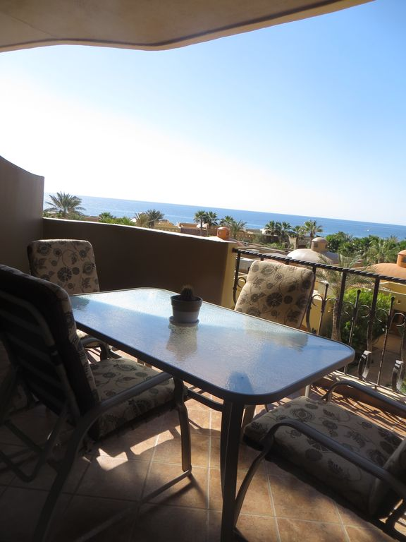 Bella Sirena Luxury Condo Right On The Beach With Large Balcony And Views