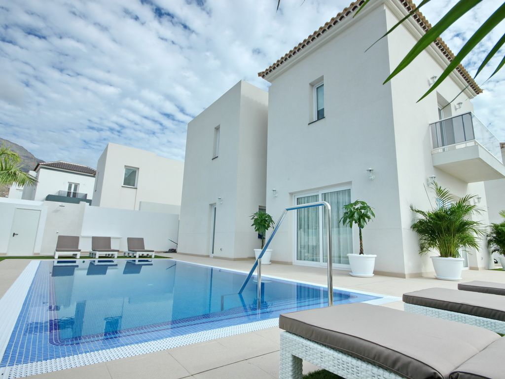 Private Villas Tenerife Owners Direct
