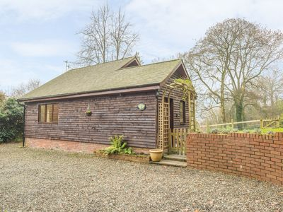 Photo for WOODPECKERS COTTAGE, romantic in Church Stretton, Ref 931018