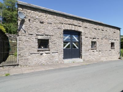 Photo for THE GATEHOUSE, pet friendly, with open fire in Orton, Ref 22713