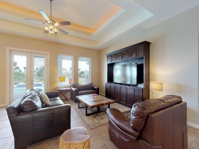 Photo for Dog-friendly house with private pool, clubhouse access, near golf and coast