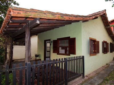 Photo for Nice house near Praia do Forte, with balcony, barbecue and garage.