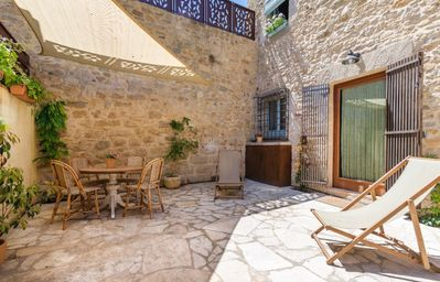 Photo for Little house in the Medieval Village of Peratallada