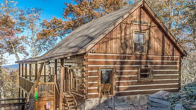 Luxury Hand-Hewn Log Cabin w/ View of Smokies, Sleeps 6