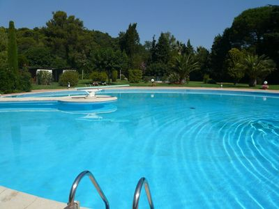 Photo for Villa standing in residence reassured - Swimming pool & tennis - 10 people -