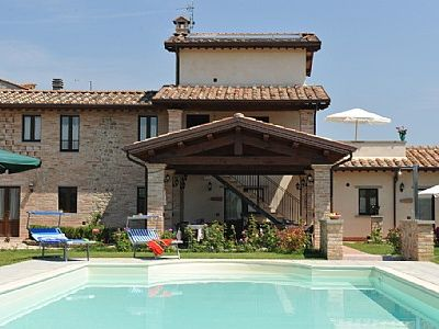 Photo for One bedroom Villa, sleeps 2 with Pool, FREE WiFi and Walk to Shops