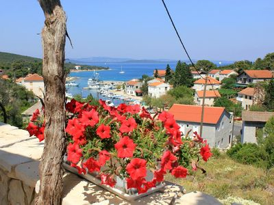 Photo for One bedroom apartment with terrace and sea view Žman, Dugi otok (A-887-c)