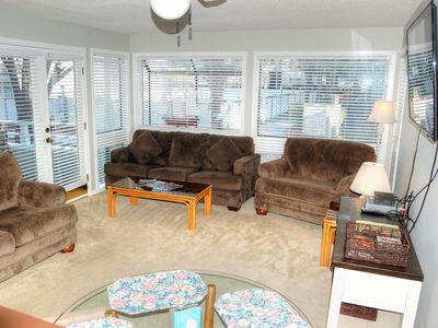Spacious condo near Apache Pier and many local attractions!