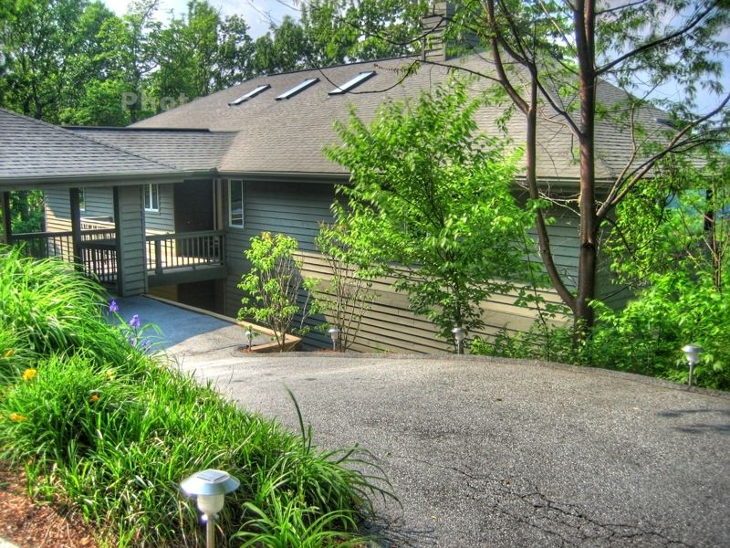 Newly Renovated Peaceful N. Carolina Mountain Home June special $200 per night
