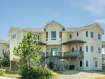 Photo for Cam's Cay: Oceanside, private  pool, hot tub, rec room with pool table, community amenities