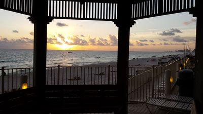 Photo for Spectacular 14th floor - Sleeps up to 8 - Beach Chairs Included