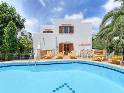 Photo for 6 bedroom Villa, sleeps 12 with Pool, FREE WiFi and Walk to Beach & Shops