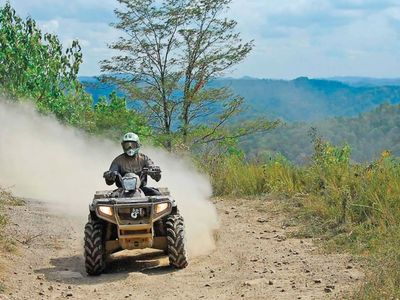 Adventurer's Rest ATV Retreat, close to trails and other attractions, ALL NEW!