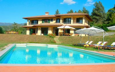 Photo for Stunning private villa with hot tub, private pool, WIFI, TV, patio, panoramic view and parking