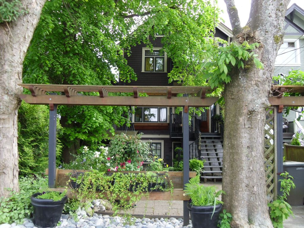 Charming Kitsilano 2 Bedroom Garden Level S Vrbo