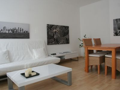 Photo for Comfortable 3-bedroom apartment with beautiful garden