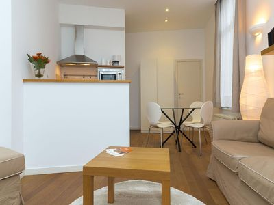 Photo for Patriotes Greece apartment in European Quarter with WiFi & lift.