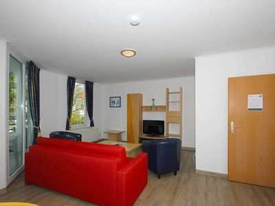 Photo for B 07: 60m², 3-room, 6 pers., Balcony, H - F-1089 Haus Mecklenburg in the Baltic resort of Göhren