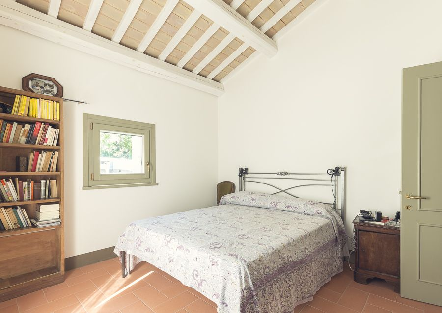Elegant country home loro piceno marche rentbyowner for Elegant country homes