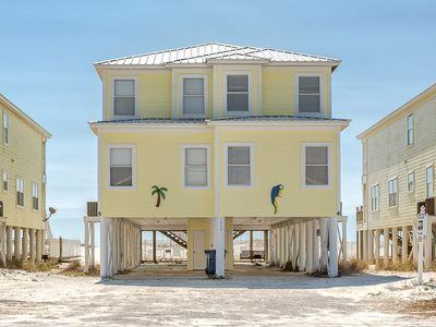 Photo for HAVE A BALL with Kaiser in Blue Parrot #6: 5 BR/3 BA House in Gulf Shores Sleeps 13