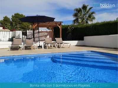 Photo for Casa Katy - Family friendly 3 bdr - A/C - pool - 5 min to the beach