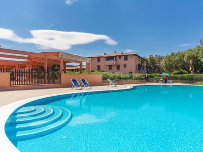 Photo for Bright Holiday Apartment with Wi-Fi, Pool and Balcony; Close to the Beach