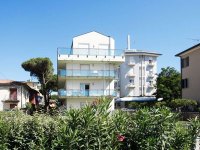 Photo for 2 bedroom Apartment, sleeps 5 in Lido di Jesolo with Air Con