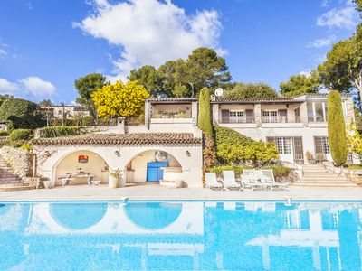Photo for Beautiful property of modern and provencal style, swimming pool and tennis