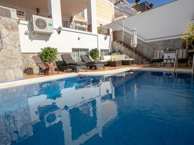 Photo for Ref. 1558 5 bedroom house with A / C and private pool, residential area of N