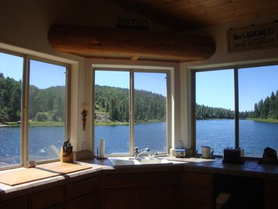 Kitchen lake views, who wouldn't want to cook here?