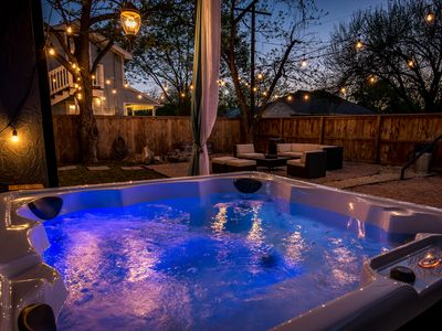 Photo for Chic Retreat- 2/1 with Hot Tub- only 2 Blocks from Main-NEW LISTING!