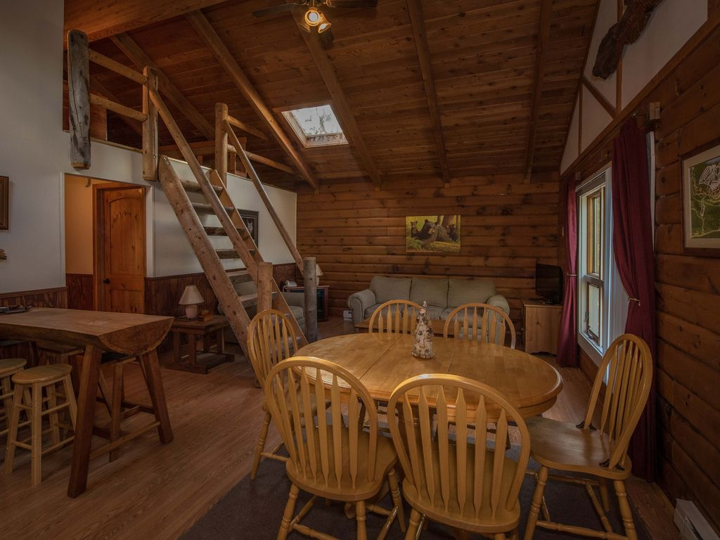 cabin cabins tub road in country new river with west interior rentals wv virginia hot gorge