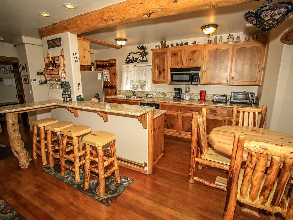Living log cabin 3 bedroom log cabin retreat big bear for Log cabin retreat