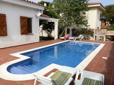 Photo for CASA MARIANA,Ideal house for your holidays near the sea, free wifi, private pool, pets allowed, dog's beach.