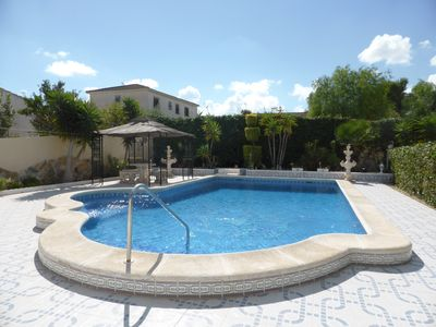 Large Private Swimming Pool (10m x 5 m)
