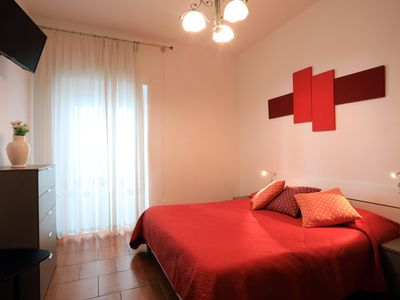 Photo for Beautiful Room with Private Bathroom and TV (R)