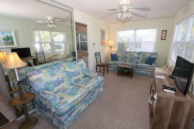 One Bedroom Cottage Med Deeded Beach Access Duggers Tropical
